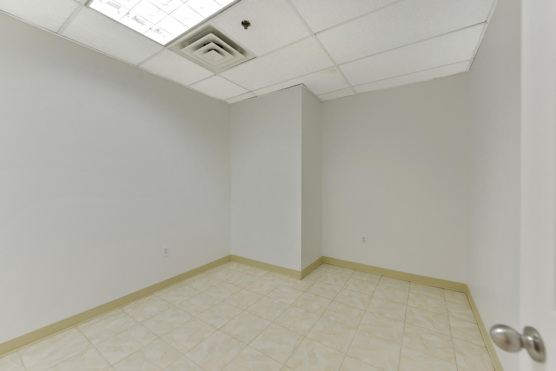 3670-Prince-St-Flushing-NY-large-008-5-Office-2-1499x1000-72dpi