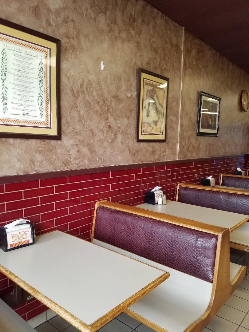 Nonnas-seating-20190227_103940