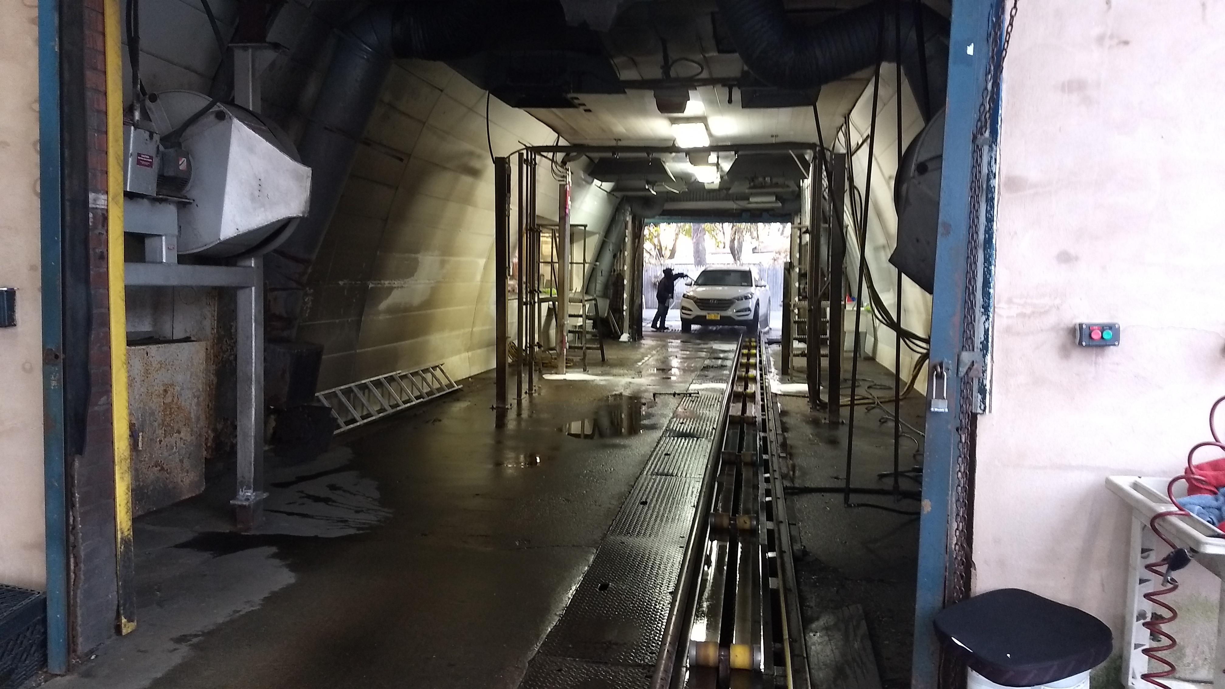 Car-Wash-208-Higbe-Lane-West-islip-(3)