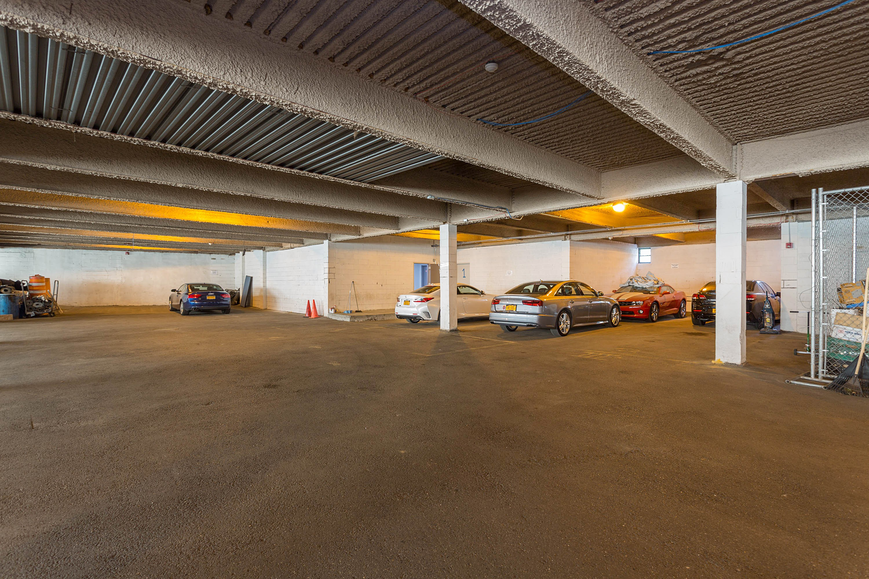 020_Parking-Garage