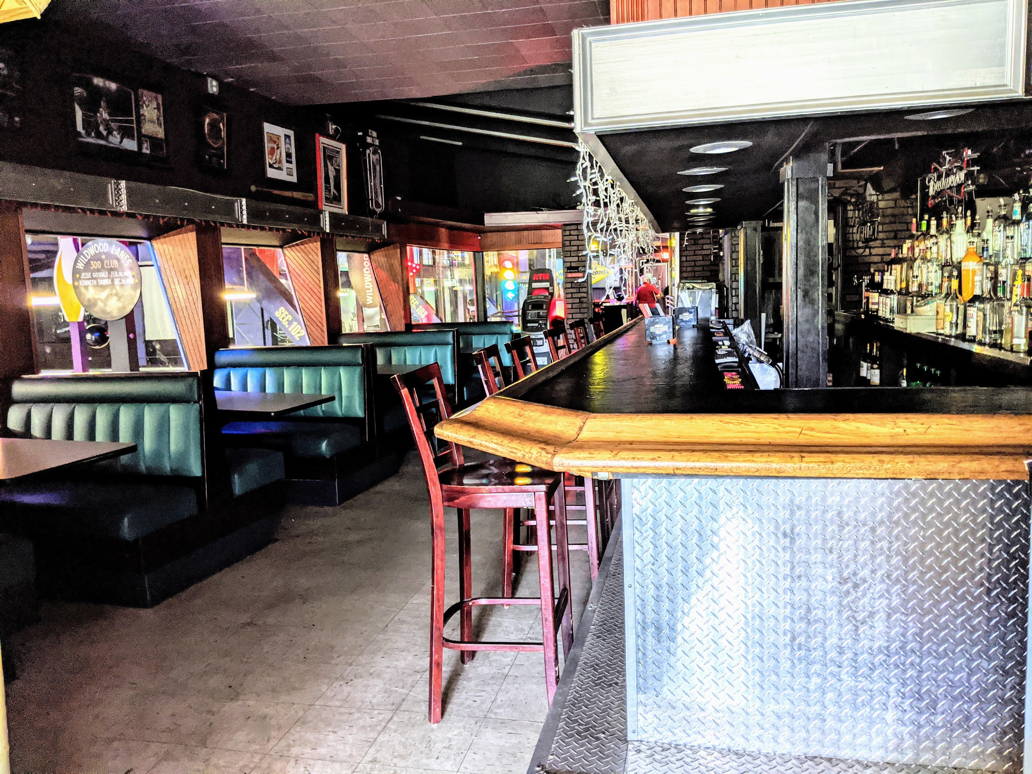 Bar-&-Seating-