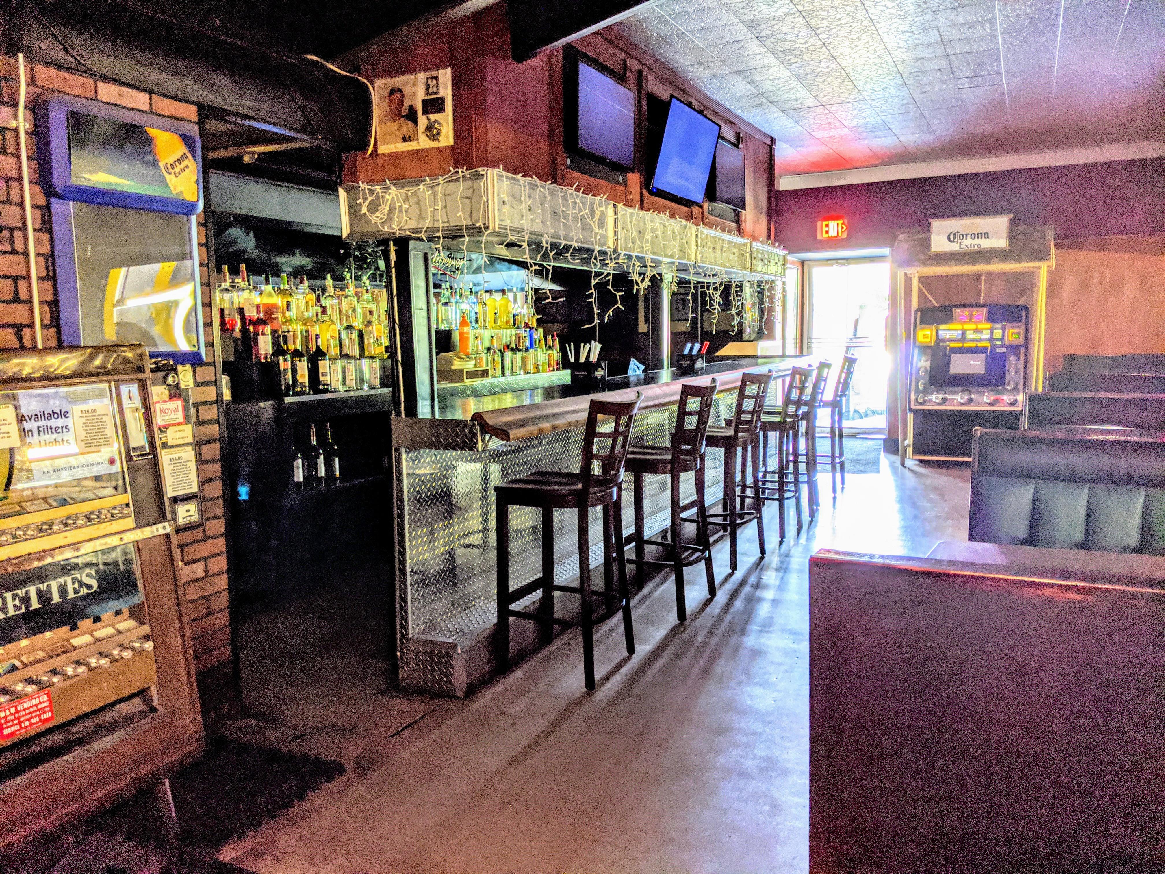 Bar-&-Seating-2